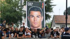 Cristiano desata la locura en Turín. (AFP)