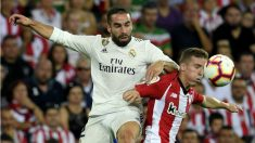 Carvajal y Muniain pelean un balón durante el Athletic – Real Madrid. (AFP)