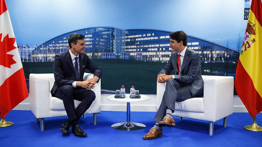 Pedro Sánchez y Justin Trudeau, durante la cumbre de la OTAN en Bruselas. (TW)