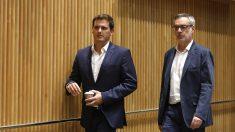Albert Rivera y José Manuel Villegas, dirigentes de C's. (Foto: EP)