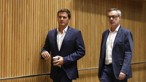 Albert Rivera y José Manuel Villegas, dirigentes de C's. (EP)