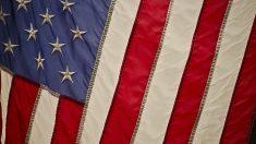 Conoce más sobre la historia de la bandera de Estados Unidos.