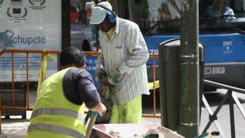 Imagen de trabajadores en una obra. (Foto: EP)
