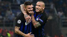 Icardi y Nainggolan celebran uno de los goles del Inter. (AFP)