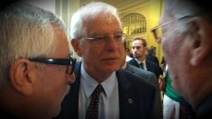 Josep Borrell, ministro de Exteriores, al acabar su conferencia en el Nueva Economía Fórum. (ADP)