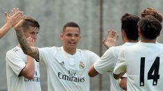 Rodrigo celebra un gol con sus compañeros. (Realmadrid.com)