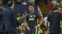 Cristiano Ronaldo llora tras ser expulsado en el Valencia – Juventus. (AFP)