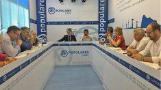 Reuinón de la dirección del PP de Cadiz, con Antonio Sanz a la cabeza. (EP)