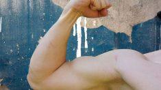 Hay diversos tipos de ejercicios para fortalecer los bíceps en casa