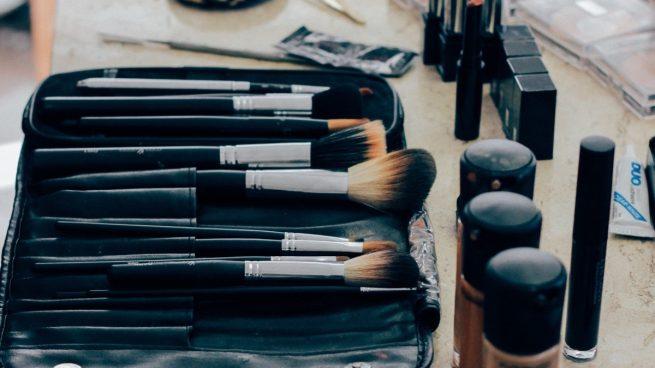 Cómo desinfectar productos de maquillaje: brochas, esponjas y pinceles