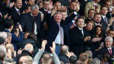 Alex Ferguson regresó a Old Trafford y recibió un homenaje. (Getty)