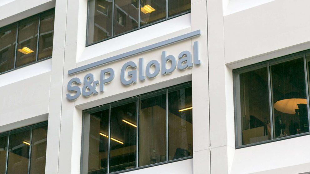 S&P confirma la perspectiva negativa sobre los desafíos fiscales de España