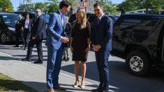 Begoña Gómez entre Justin Trudeau y Pedro Sánchez en Canadá (AFP).