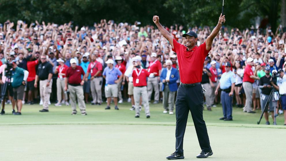 Tiger Woods celebra su victoria en el PGA Tour Championship. (Getty)