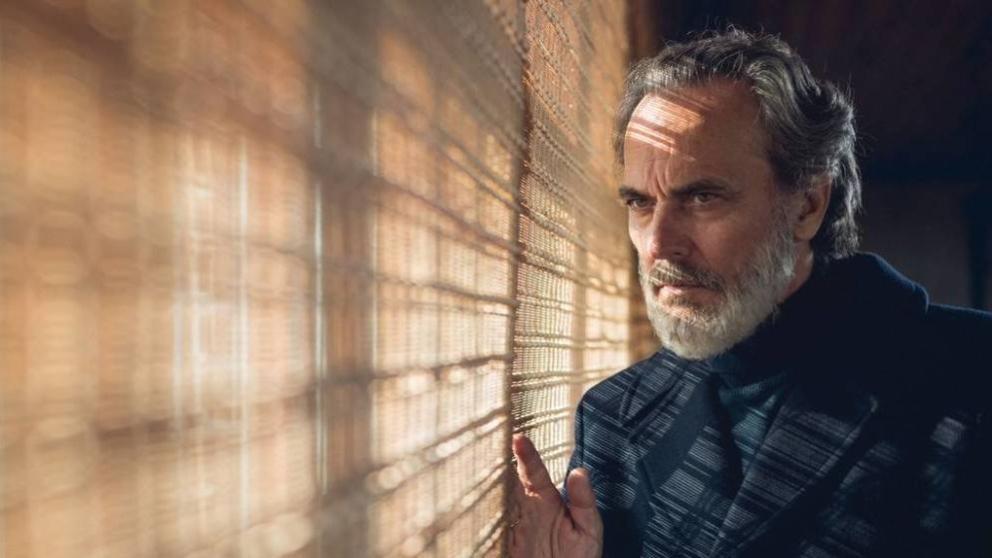 José Coronado vuelve a Telecinco con 'Vivir sin permiso'. (Foto: Telecinco)