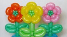 Una de las formas que puedes hacer con globos son las flores