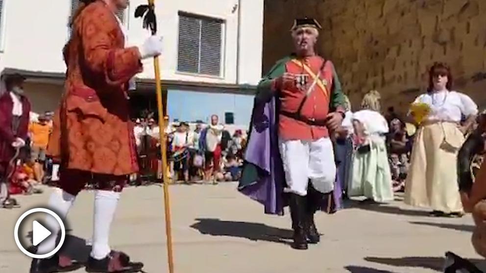 El 'espectáculo' de Tarragona en el que se ataca a la Guardia Civil, la Policía Nacional, al Rey y a C´s