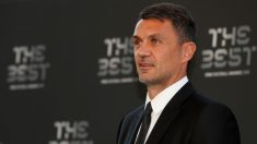 Paolo Maldini posa en los premios The Best. (AFP)