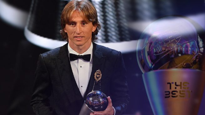 [ DRAFT ] - Centrocampistas Modric-the-best-interior-655x368
