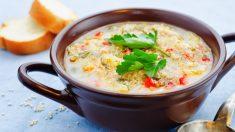 Receta de Sopa de quinoa con almejas fácil de preparar