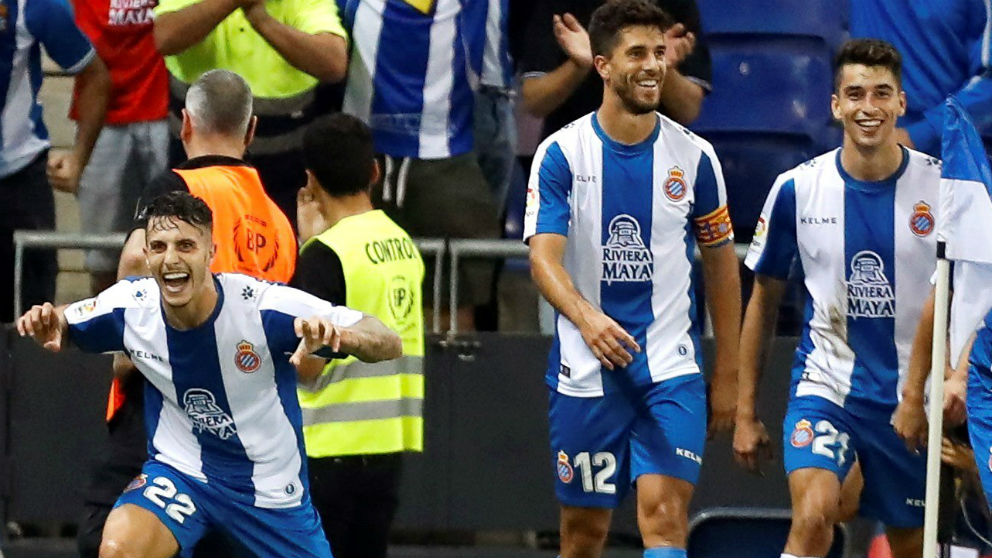 Mario Hermoso celebra su gol ante el Eibar. (EFE)