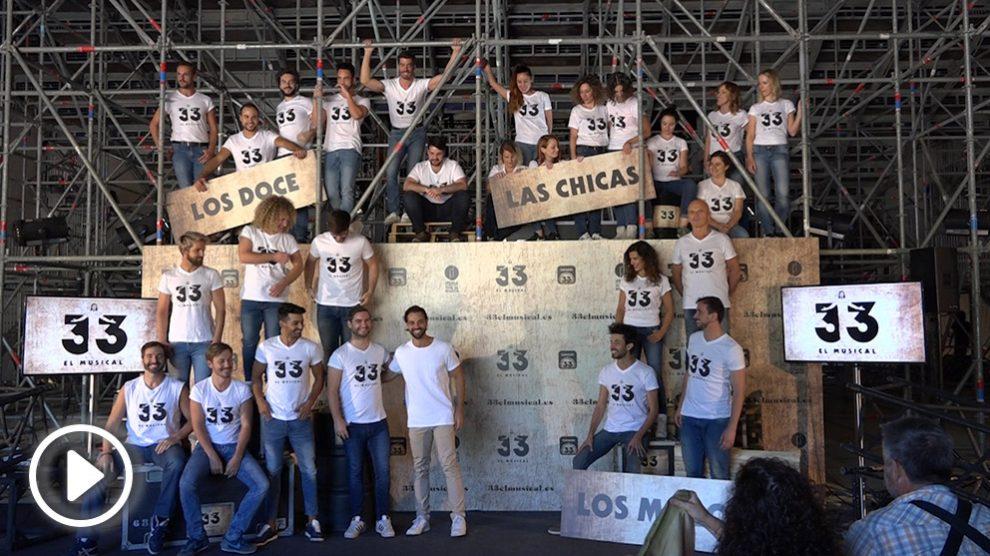 "Elenco completo de ""33 el Musical"". (Foto: Francisco Toledo)"