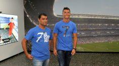 Cristiano Ronaldo, junto a su hermano. (AFP)