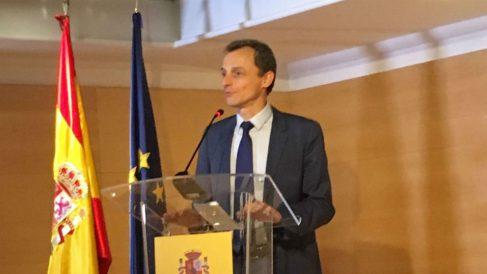 Pedro Duque durante la comparecencia para explicar la situación legal de sus viviendas