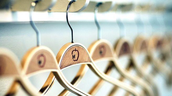 Las mejores perchas para organizar tu armario
