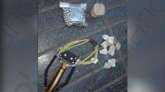 Material incautado a miembros de Arran para atacar a policías. (Foto: OKDIARIO)