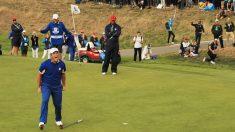 Rahm celebra su victoria ante Tiger Woods en la Ryder Cup. (Getty)