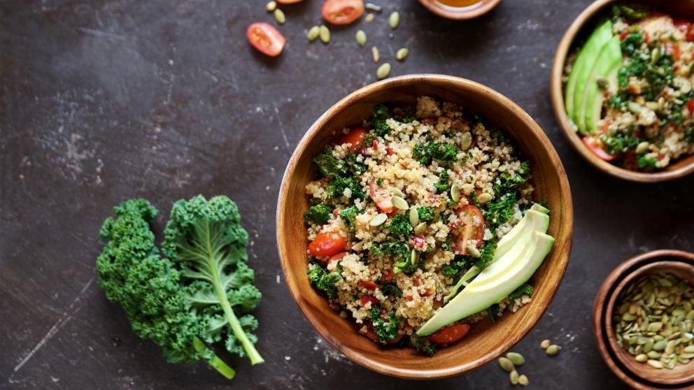 Receta de Ensalada de quinoa y kale fácil de preparar