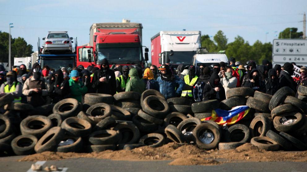 Una acción violenta de los CDR en las carreteras de Cataluña