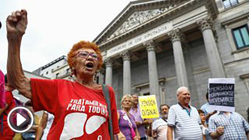 Pensionistas en el Congreso (foto EFE)