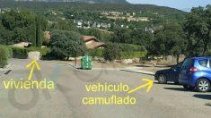 Vehículo camuflado de la Guardia Civil vigilando el chalet de Pablo Iglesias.