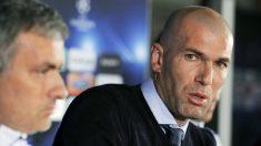 Zidane y Mourinho durante una rueda de prensa con el Real Madrid. (AFP)