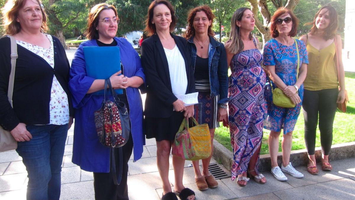 Carolina Bescansa con su equipo (EP).