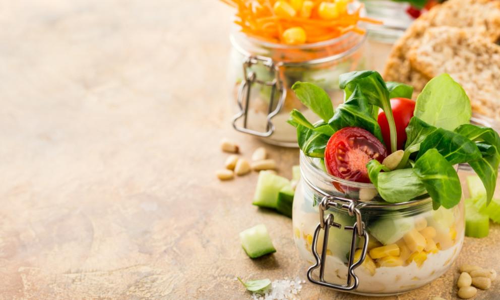 La dieta holandesa, la holandesa aporta mayores carbohidratos y productos lácteos.