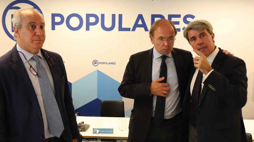 Juan Carlos Vera, Pío García-Escudero y Ángel Garrido. (Foto. PP)