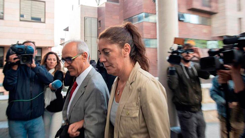 La madre de Nadia, Margarita Garau, acusada junto al padre de la pequeña de estafa por usar la enfermedad de su hija para lucrarse con donativos. Foto: EFE