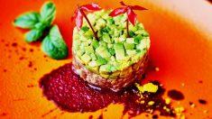 Receta de Tartar de tomate y aguacate fácil de preparar