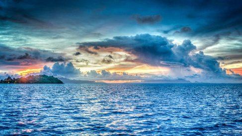 El pacífico uno de los mares y océanos del mundo más importantes.