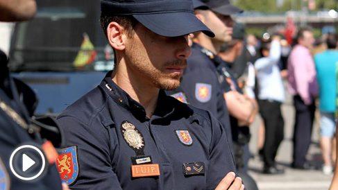 Policía en una manifestación. (Foto: E. Falcón)