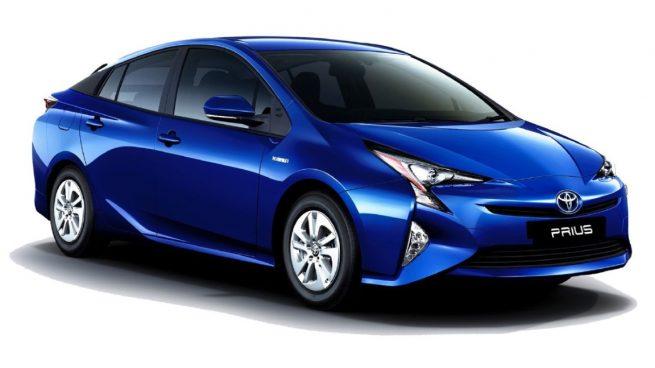 Toyota llama a revisión a 28.860 Prius y Auris en España por un fallo de software que puede provocar que el automóvil se cale