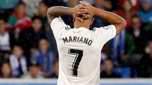 Mariano se lamenta en el partido ante el Alavés (EFE)