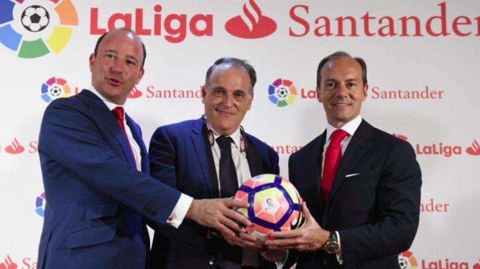 Anuncio del patrocinio entre LaLiga y Banco Santander.