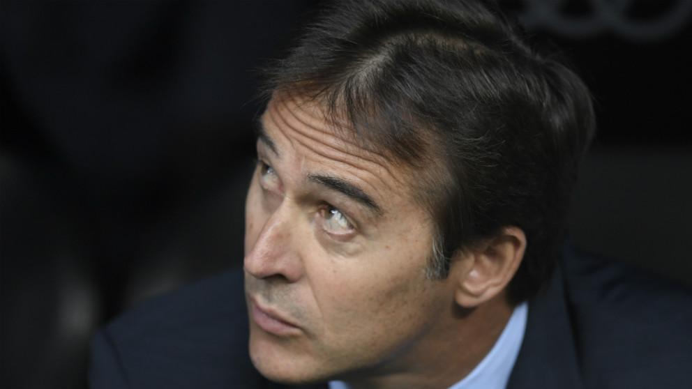 Lopetegui, en el banquillo del Bernabéu. (AFP)