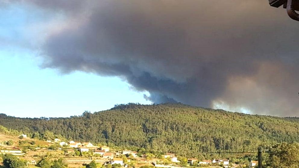 Imagen del incendio de Mondariz (Foto: EUROPA PRESS).