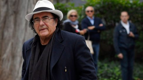El cantante italiano Al Bano tras el funeral en honor a la soprano Montserrat Caballé, fallecida en Barcelona. Foto: Europa Press