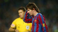 Leo Messi durante un partido con el Barcelona en 2005. (Getty)